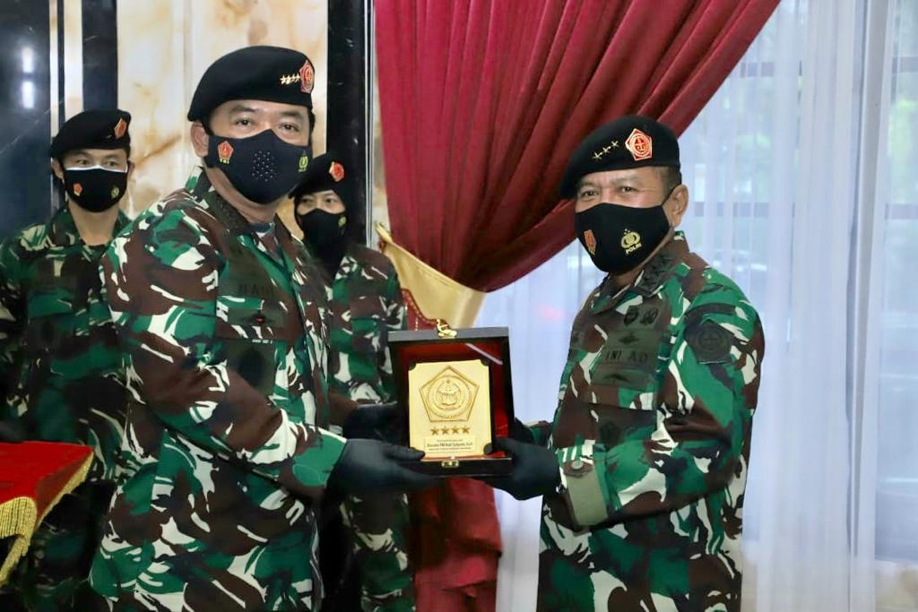 Panglima TNI Pimpin Penyerahan Jabatan Kasum dan Sertijab Asrenum serta Aslog
