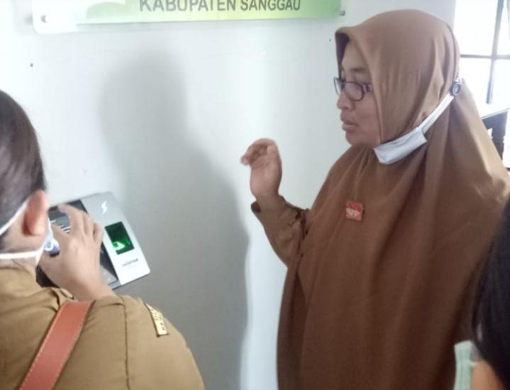 Pemkab Sanggau Mulai Memberlakukan Absensi e-PHYO
