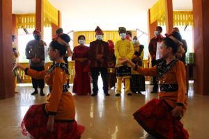 Bupati Sanggau Hadiri Syukuran Dan Serah Terima Pengelolaan Rumah Adat Melayu Kabupaten Sanggau