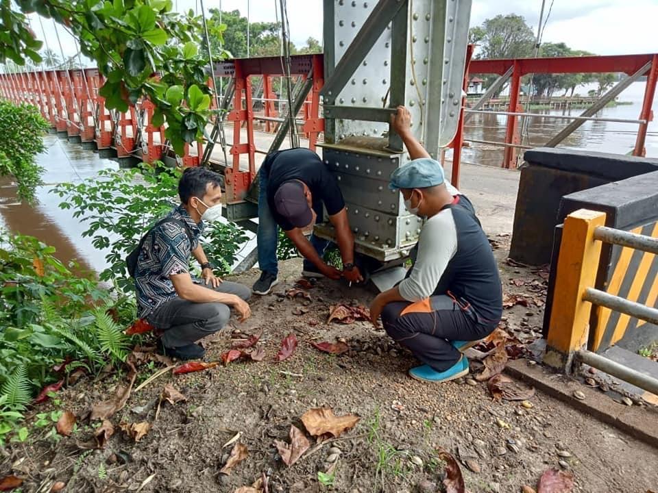 Jembatan Sekayam Rusak,Dinas BM SDA Gandeng Pihak Kementrian PUPR Lakukan Perbaikan