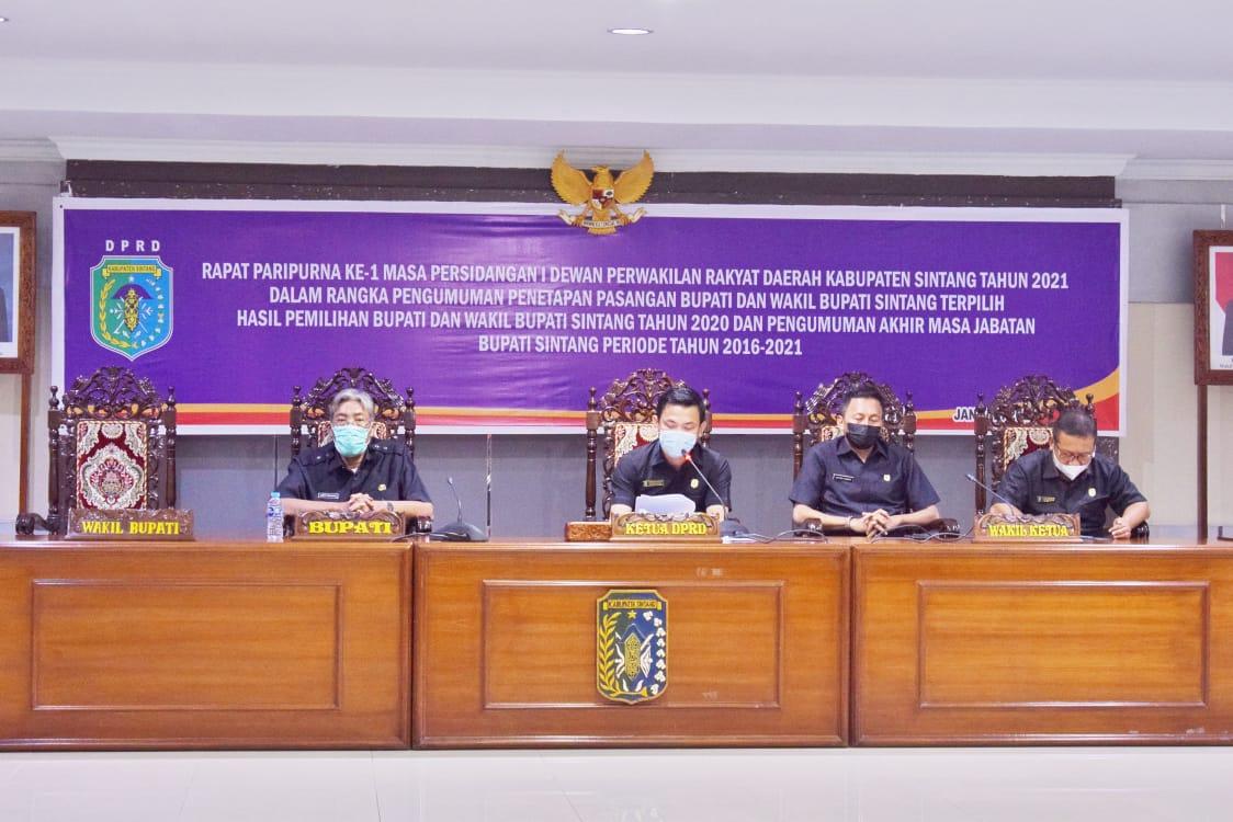 Bupati Jarot Hadiri Rapat Paripurna Di DPRD Sintang