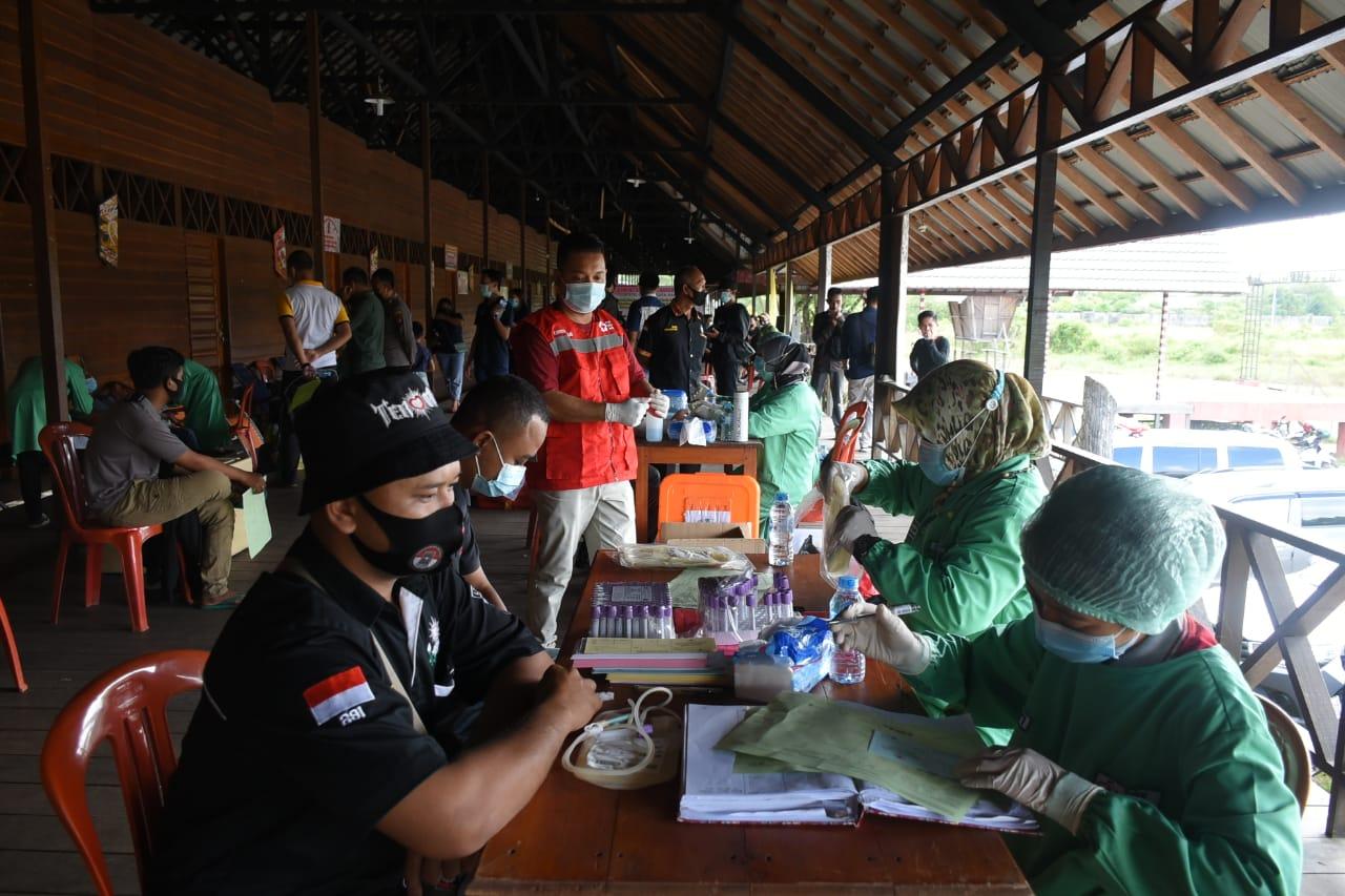 Ditengah Pandemi Covid-19 Komunitas Pejuang Darah Sekadau Berbagi Kasih Dengan Donor Darah Sukarela