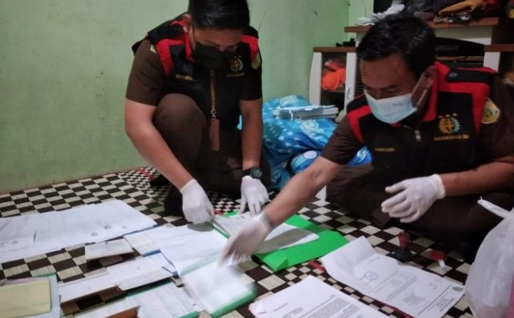 Kasus Tipikor PKH, Tim Kejeksaan Negeri Sanggau Geledah Rumah P dan Kantor BRI Unit Tayan Hilir