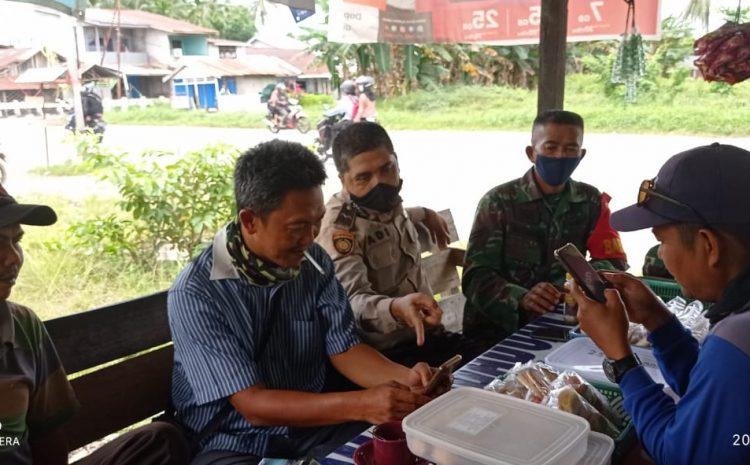 Babinsa Jungkat Komsos Bersama Perangkat Desa Sungai Purun Besar
